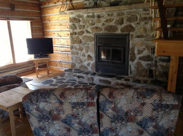 Hotel Pictures: Cottages du Lac Orford, Unité C, l'Orignal, Eastman