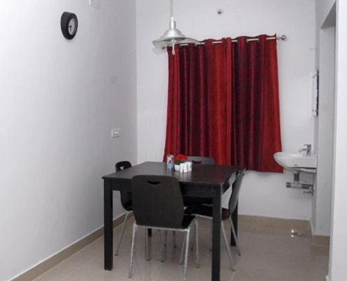 One-Bedroom Apartment with Fan