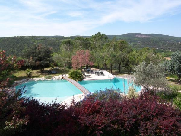 Hotel Pictures: La Magnanerie De Bernas, Montclus