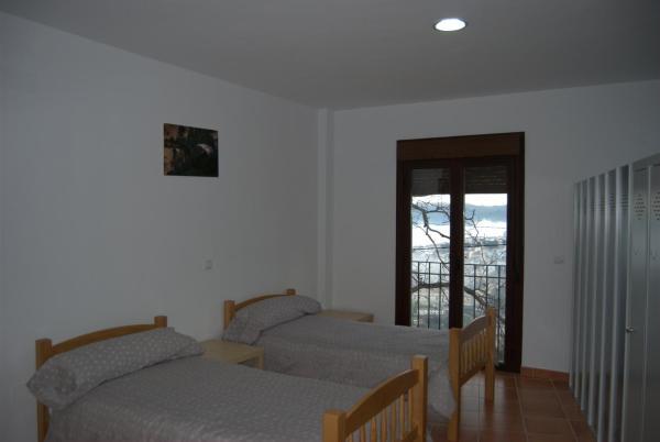 Room (8 Adults)