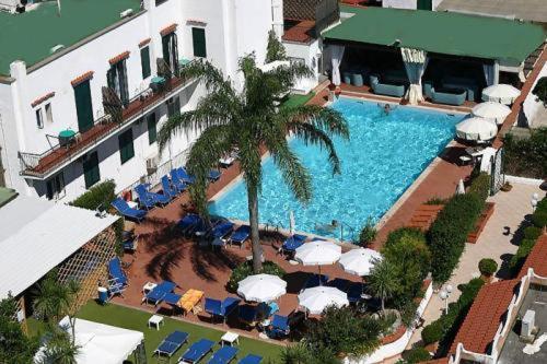 Фотографии отеля: Hotel Lord Byron, Искья