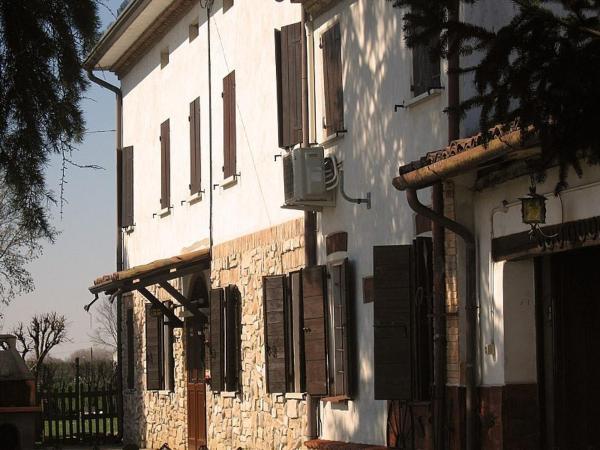 Hotel Pictures: Campo Del Lupo, Scorzarolo