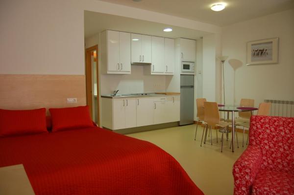 Hotel Pictures: Apartamentos Turísticos Real Alfoli, El Burgo de Osma