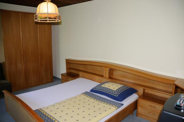 Double Room with Garden View (1 Adult)