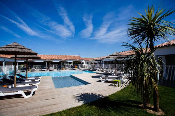 Hotel Pictures: P'tit Dej-Hotel Ile-de-Re, Sainte-Marie-de-Ré