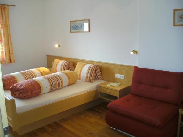 Comfort Two Bedroom Apartment with Balcony