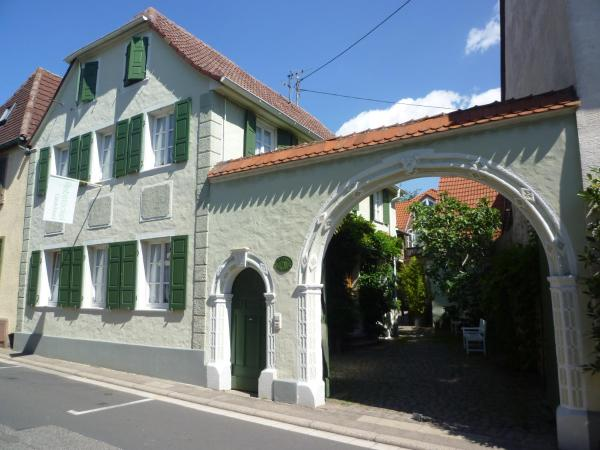 Hotel Pictures: Rebstöckel Gästehaus WeinHof & Vinothek, Neustadt an der Weinstraße