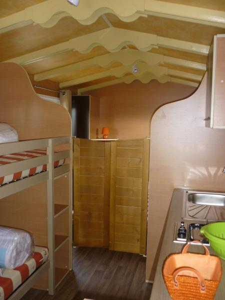 Wooden Caravan (4 Adults)