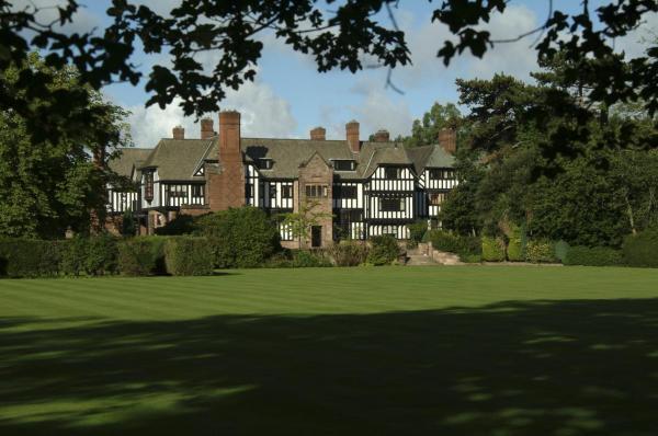 Hotel Pictures: Inglewood Manor, Ledsham