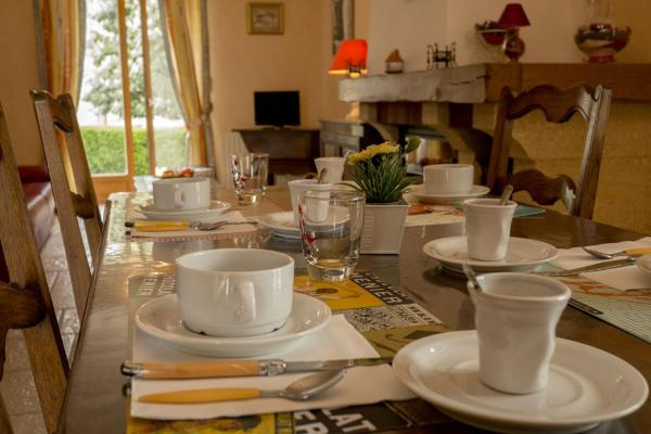 Hotel Pictures: , La Rochepot