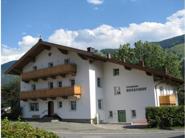 Foto Hotel: Pension Rosenhof, Brixen im Thale