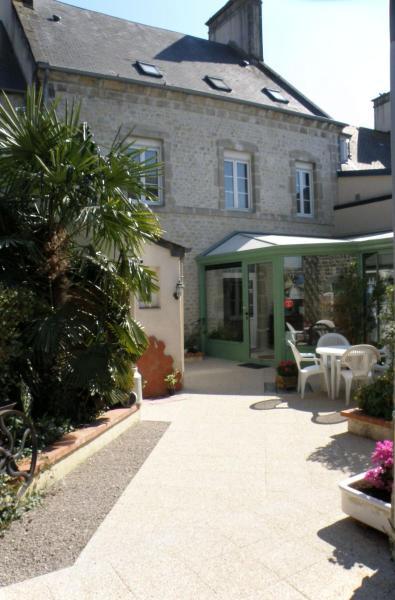 Hotel Pictures: Chambres d'hôtes de l'Eglise, Sainte-Mère-Église