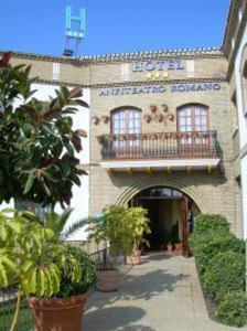 Hotel Pictures: Hotel Anfiteatro Romano, Santiponce