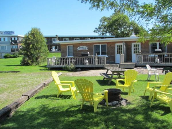Hotel Pictures: Muskey's Landing Resort, Port Severn