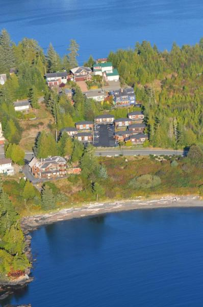 Hotel Pictures: Little Beach Resort, Ucluelet