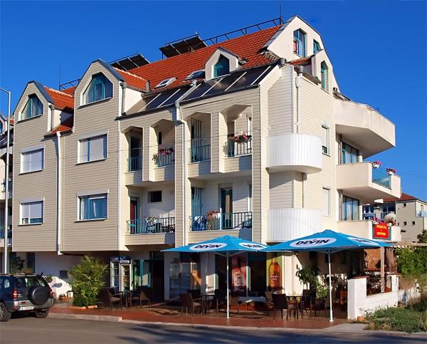 酒店图片: Ravda Bay Guest House, 拉夫达
