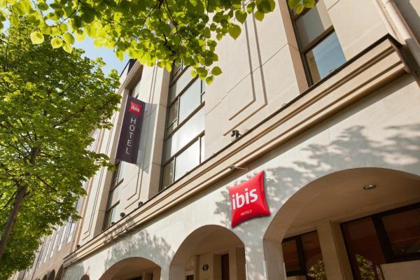 Hotel Pictures: ibis Paris Rueil Malmaison, Rueil-Malmaison