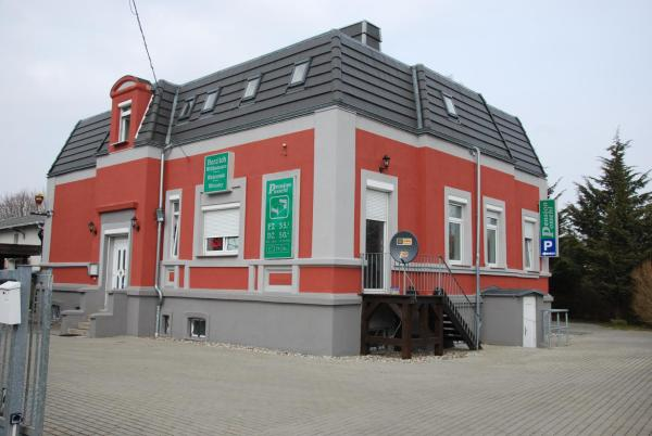 Hotel Pictures: Pension Possehl, Greifswald
