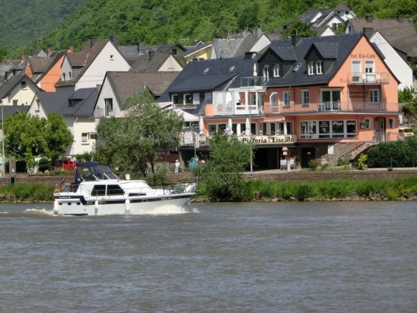 Hotel Pictures: Ferienwohnungen Moselstausee, Oberfell