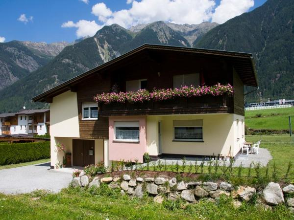Hotellikuvia: Haus Kleibert, Umhausen