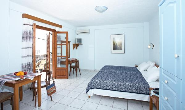 Studio (2 Adults) with Side Sea View