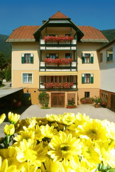 ホテル写真: Familienpension Rasch, Bodensdorf
