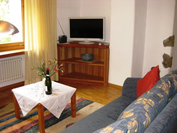 Hotel Pictures: Apartment Bos-cha, La Punt-Chamues-ch