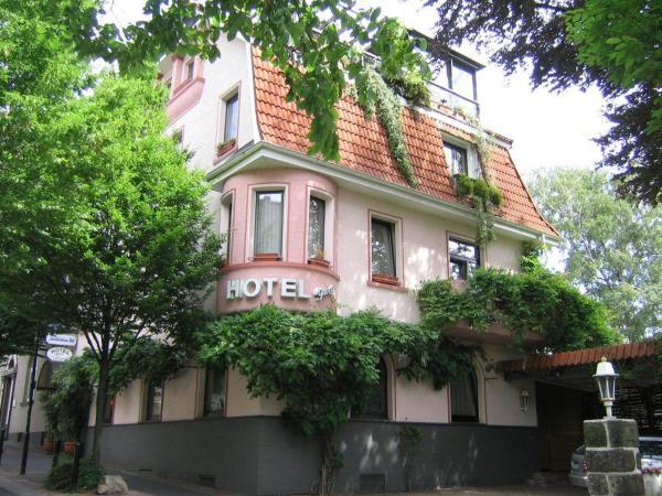 Hotel Pictures: Hotel Garni In der Blume, Heiligenhaus