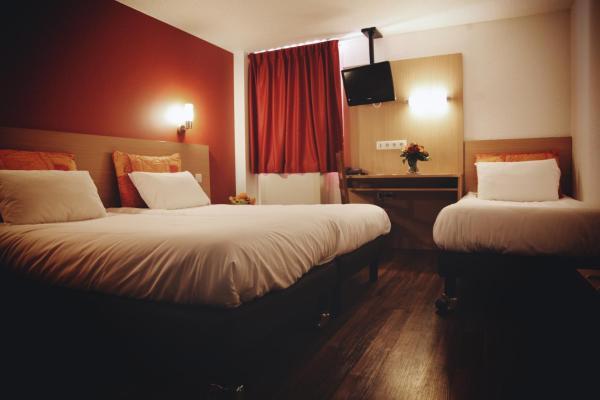 Hotel Pictures: La Roseraie - Hotel & Restaurant, Fontenay-aux-Roses
