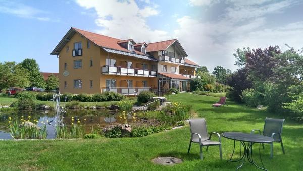 Hotel Pictures: Landhotel Larenzen, Kirchham