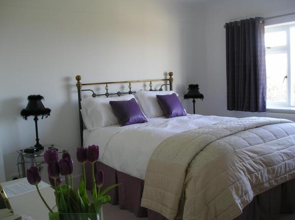 Hotel Pictures: 42 Caldy Road, West Kirby