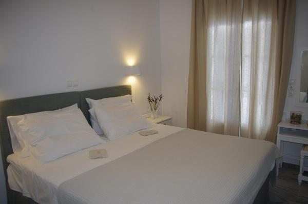 Suite with Partial Sea View (2-3 Persons)