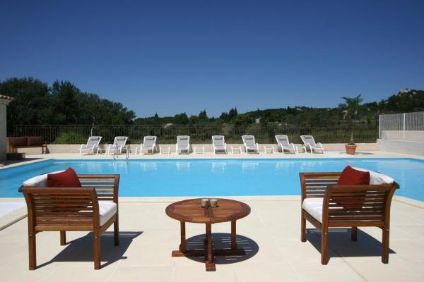 Hotel Pictures: Lagrange Vacances Le Domaine de Bourgeac, Paradou