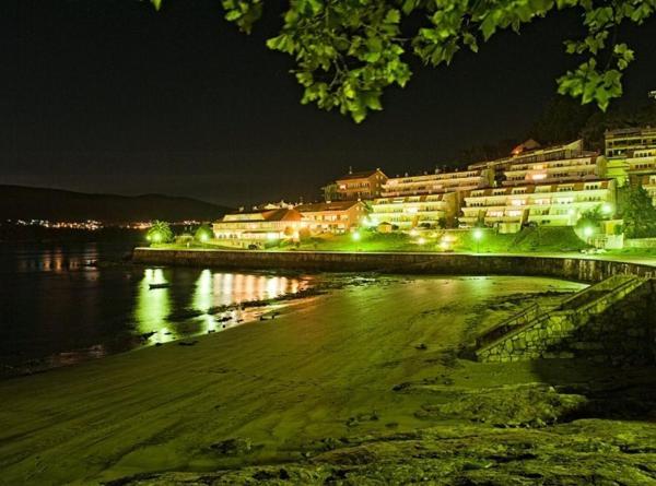 Hotel Pictures: Hotel Playa de Quenxe, Corcubión