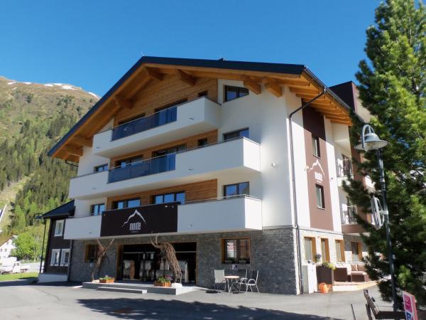 Hotel Pictures: Alpinhotel Monte Superior, Galtür