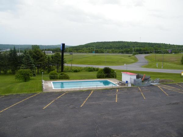 Hotel Pictures: Canada's Best Value Inn & Suites - Woodstock, Woodstock