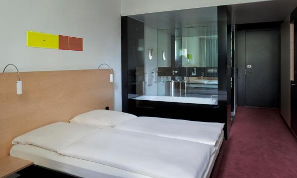 Double Room - Queen Size Bed