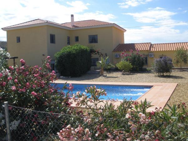 Hotel Pictures: B&B Mas Solana, Santa María de Nieva