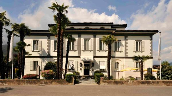 Hotel Pictures: Albergo Gardenia, Caslano
