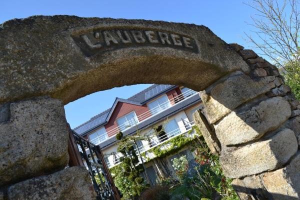 Hotel Pictures: Logis L'Auberge, Sainte Anne dAuray