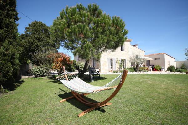 Hotel Pictures: Oeno-Lodge, Saint-Germain-d'Esteuil