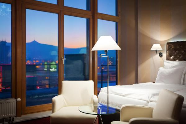 Royal Club Double Deluxe Room with Whirlpool and Terrace