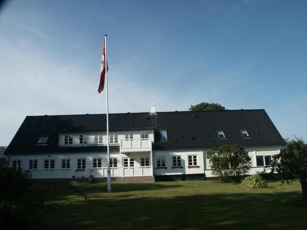 Hotel Pictures: Damgaarden Apartments, Ærøskøbing