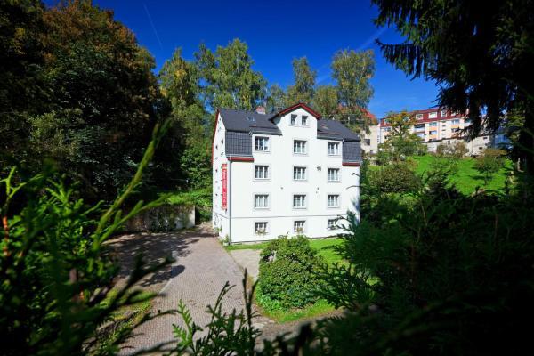 Hotel Pictures: Pytloun Penzion Zelený Háj, Liberec