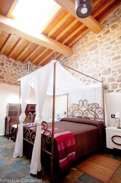 Hotel Pictures: , San Martín de Trevejo