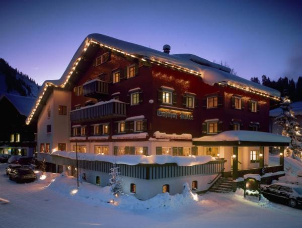 Foto Hotel: Adler Damüls Gasthof Hotel, Damuls