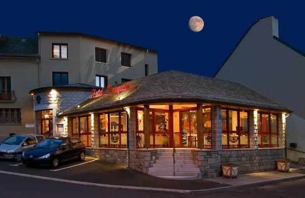 Hotel Pictures: Hôtel Restaurant Prunières, Aumont-Aubrac