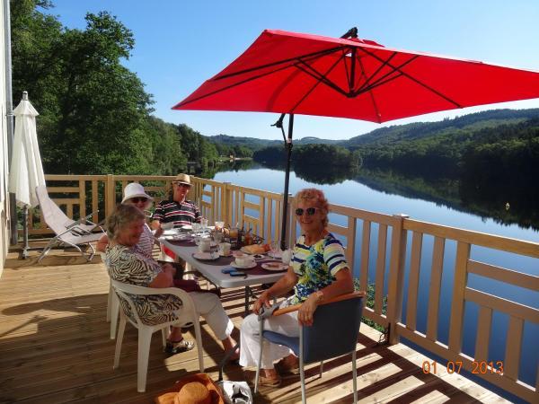 Hotel Pictures: Hôte du Lac, Treignac