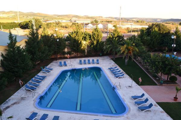 Hotel Pictures: , Puente-Genil