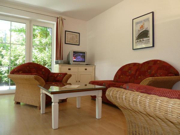 Hotel Pictures: Apartmenthaus Olivia, Juliusruh